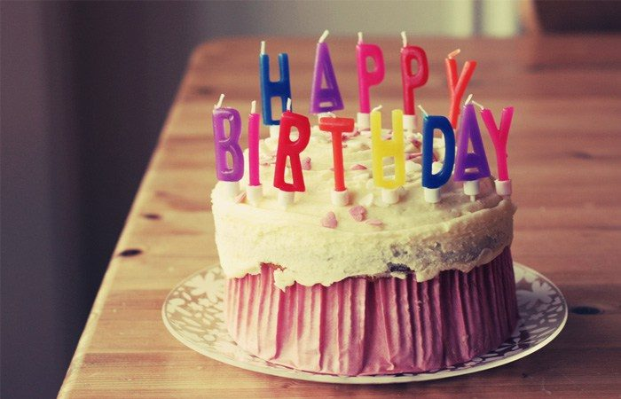 Fica, vai ter bolo! Happy birthday, Mr. Google!
